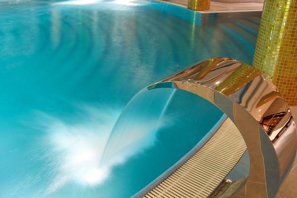 Découvrez 5 des plus belles propriétés avec piscine proposées par Coldwell Banker en Ile de France