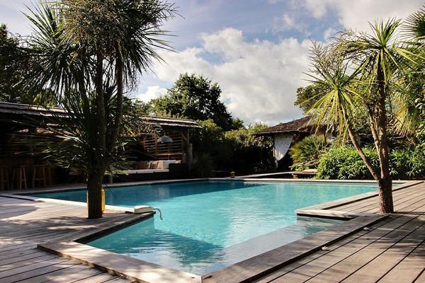 Découvrez 5 des plus belles propriétés avec piscine proposées par Coldwell Banker sur la Côte Atlantique