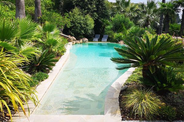 Découvrez 5 des plus belles propriétés avec piscine proposées par Coldwell Banker sur la côte d'Azur